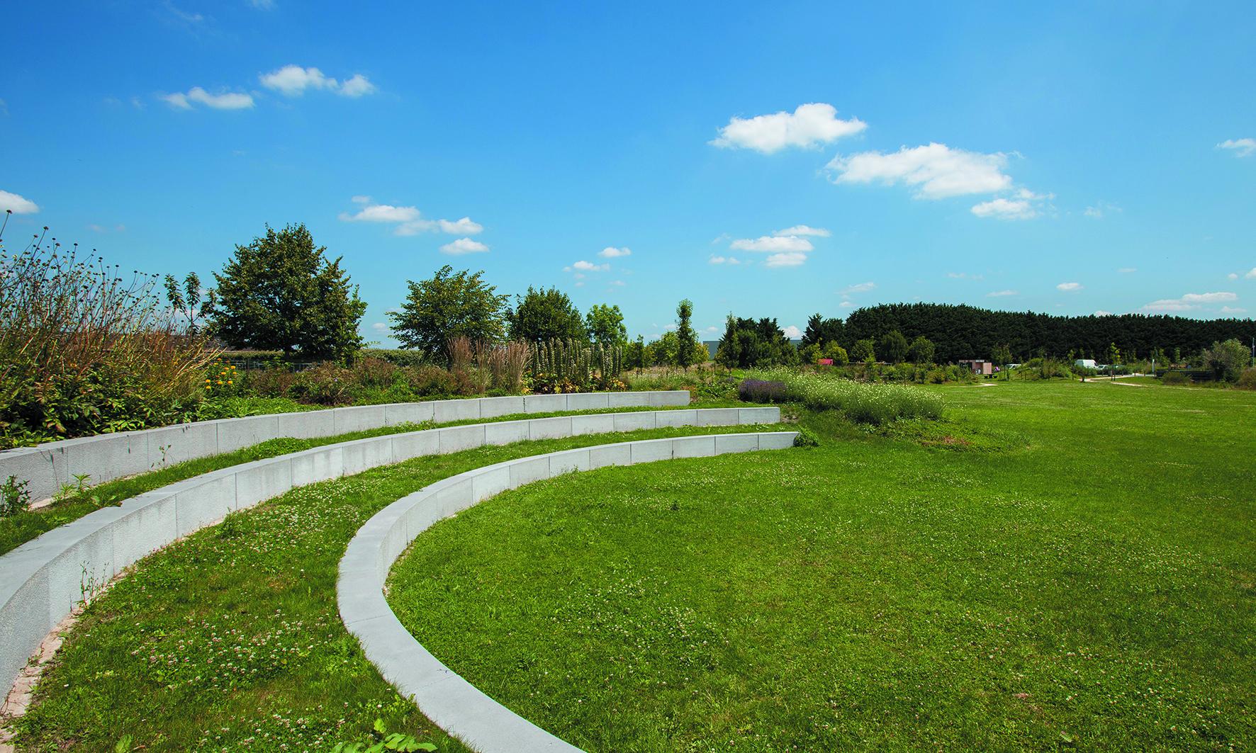 Jardin public la coul e verte dou la fontaine 19 juin for Architecture de jardin